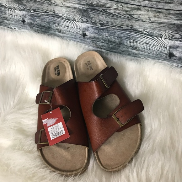 e1edacc65947 Target Mossimo Footbed Sandals. NWT. Mossimo Supply Co.